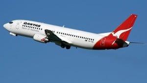 165526-qantas-plane